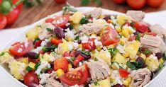 Sałatka do zrobienia w 30 minut. Lekka, zdrowa i tak jak lubię kolorowa. Bardzo lubię ananasa świeżego i często dodaję go do sałatek. Prz... Tortellini, Cobb Salad, Potato Salad, Food And Drink, Potatoes, Cooking Recipes, Ethnic Recipes, Drinks, Vegan Food