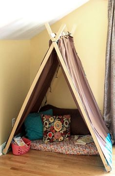 Interior, Mesmerizing Handmade Play Tent Reading Nook Using A Curtain Rod Design Ideas With Cushion Flowers Pattern: Inspiring Cozy Reading Nook Design Ideas For Free Space