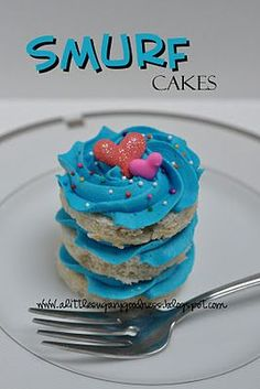 Yummy and artistic Smurf cake!