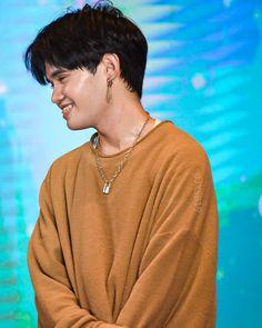 jenn for stelljun Korean Entertainment Companies, Korean Men Hairstyle, Cute Emoji Wallpaper, Lee Jung, Videos Funny, Boyfriend Material, Cute Wallpapers, Hot Dogs, Boy Groups