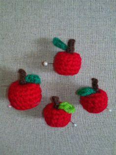 りんごの作り方|編み物|編み物・手芸・ソーイング | アトリエ|手芸レシピ16,000件!みんなで作る手芸やハンドメイド作品、雑貨の作り方ポータル