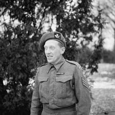 Portrait of George Harold Eardley, awarded the Victoria Cross: Holland, 16 October British Army Regiments, Medal Of Honor Winners, British Medals, George Cross, British Soldier, American Pride, Queen Victoria, World War Two, Ww2