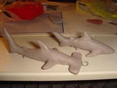 http://fc02.deviantart.net/fs70/i/2011/008/3/5/clay_sharks_by_kittyazura-d36rdgv.jpg