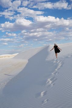 White sands desert, New Mexico photographed by Devyn Galindo