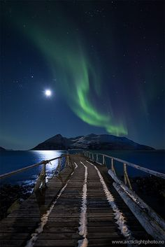 Moonwalk and Aurora lights
