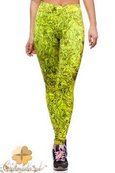 Neonowe legginsy kobiece idealnie dopasowane.  #cudmoda #moda #ubrania #odzież #clothes #spodnie #leggings #leginsy #women #fashion #fitness #fit
