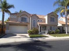 This house is in beautiful Orange County, #California. There is also a patio backyard. The city of Aliso Viejo, which is about 10 minutes away from the beautiful beach cities of Laguna Beach, Newport Beach and Dana Point. #California lifestyle!