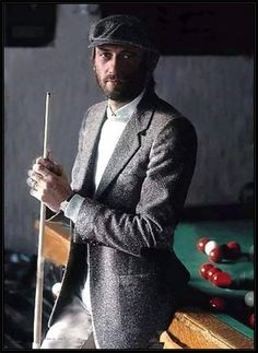 """fox-on-the-run61: """"maurice gibb """" WHAT A SHARP DRESSED (and handsome) MAN!!!"""