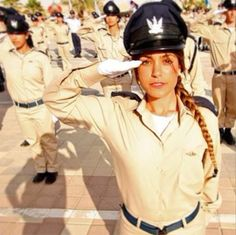 The Israeli Defense Forces (IDF) prides itself on its diversity and, specially, its good looks. Idf Women, Military Women, Female Army Soldier, Pinup, Amazing Women, Beautiful Women, Israeli Girls, Martial, Bagdad