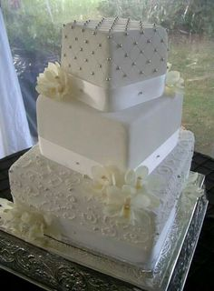 42 Square Wedding Cakes That Wow! : 42 Square Wedding Cakes That Wow! 42 Square Wedding Cakes That Square Wedding Cakes That Wow!Every wedding needs a sweet ending. Your wedding cake is one of the pa Square Wedding Cakes, Square Cakes, White Wedding Cakes, Elegant Wedding Cakes, Cake Wedding, Wedding Favors, Wedding Cake Decorations, Wedding Cake Designs, Wedding Cake Toppers