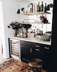 Kitchen reveal with open shelving sytle ideas Kitchen Decor, Kitchen Design, Kitchen Sink, Eclectic Kitchen, Classic Kitchen, Kitchen Black, Mini Kitchen, Black Kitchens, Sweet Home