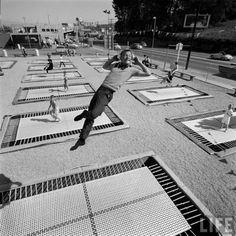 vintage everyday: Trampolining, 1960
