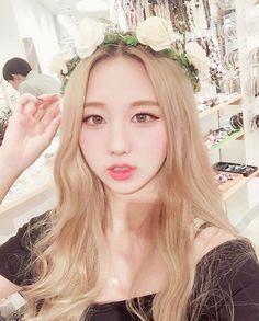 ♡ ; @ethereal on Pinterest  Honey Blonde Hair, Girl Wearing Flower Crown, Blue Eyes 얼짱, 예쁜, 소녀, 한국어, 유행, 日本, 女の子, 소년들, 머리카락, 유행, 귀엽다, hair, girl, aegyo, ulzzang, korean, makeup, kstyle, kfashion, style, fashion, tumblr