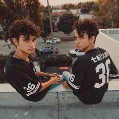 You a cutie 💎 Cute Twins, Cute Boys, Anthony Trujillo, The Dobre Twins, Marcus And Lucas, Lucas Dobre, Marcus Dobre, Bae, Martinez Twins