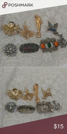 Bundle of vintage brooches A variety of vintage brooches for any ocation. Jewelry Brooches