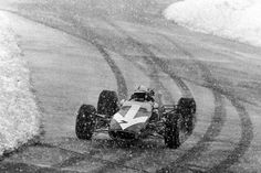 John Surtees in a Lola Formula 2 at the Eifelrennen 1967. Not too unusual at the Ring: snow in late April…