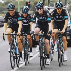 Team Sky training for the CadelRoadRace!
