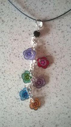 Collier fleur en plastique fou Shrink Art, Plastic Items, Shrinky Dinks, Shrink Plastic, Washer Necklace, Jewels, Couture, Blog, Crafts