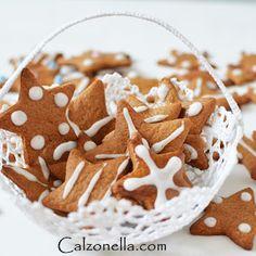 Najprostsze na świecie kruche ciasteczka z marmoladą - Calzonella.com Gingerbread Cookies, Pudding, Food, Turmeric, Ginger Cookies, Meal, Eten, Puddings, Meals