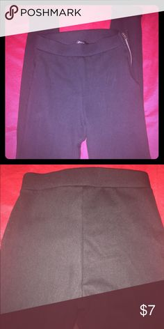 Forever 21 Black denim leggings Sz Small Black stretch denim like leggings with a side zipper. Small cuff at bottom. New without tags Forever 21 Pants Skinny