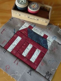 Little Red Schoolhouse Quilt (2)