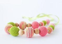 Nursing necklace Mallow - pink, spring green - baby shower gift, accessory for slinging mom, baby teether