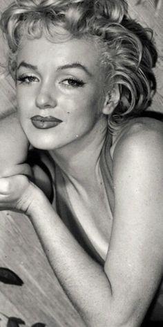 Marilyn. Photo by Ted Baron, 1954, Marilyn Monroe.Marilyn Monroe