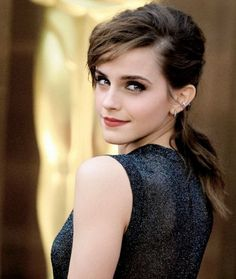 2017 Emma Watson Natural Backcomb Hairstyles with Messy Curls