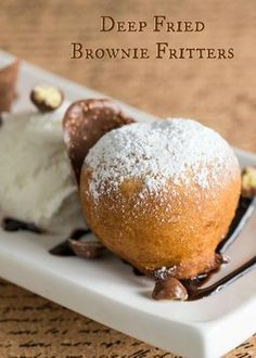 Deep Fried Brownie Fritters state Fair of July Dessert Delicious Desserts, Dessert Recipes, Yummy Food, Dessert Bars, Deep Fried Desserts, Deep Fryer Recipes, Donuts, State Fair Food, Carnival Food