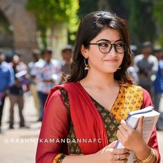 Rashmika mandana actress thunder thighs sexy legs images and sexy boobs picture and sexy cleavage images and spicy navel images and sexy b. Bollywood Actress Hot Photos, Actress Photos, Hot Actresses, Indian Actresses, Teen Images, Cute Baby Girl Images, Actress Wallpaper, Cute Girl Poses, Actor Photo