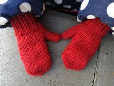 Hos Anna-ananas: Små nissevanter, str. 2 år Knitting For Kids, Infant, Gloves, Barn, Handmade, Design, Fashion, Cast On Knitting, Moda