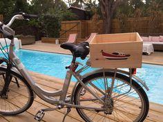 Une bonne idée : la caisse bois personnalisée pour le porte bagage de votre vélo ... http://www.mabouteille.fr/objets-personnalises.php