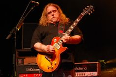 Blues-rock guitarist Warren Haynes will bring bring out his soulful side in a Bama Theatre concert set for April 12.