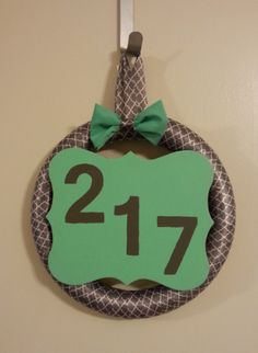 My newest wreath I made for my apartment :]
