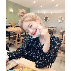- dahyun (twice) Nayeon, K Pop, Kpop Girl Groups, Korean Girl Groups, Kpop Girls, The Band, Twice Dahyun, Tzuyu Twice, Rapper