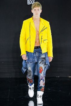 Take a look to Philipp Plein Spring Summer 2017 menswear collection: the fashion accessories and outfits seen on Milano runaways. (Luca Tombolini / Indigital.tv)