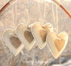 I love the rustic style. So I decided to experiment and make rustic hearts. I used felt, burlap and natural jute thread. Here is the result. Burlap Ornaments, Burlap Crafts, Felt Ornaments, Valentine Crafts, Holiday Crafts, Valentines, Felt Christmas Decorations, Diy Christmas Ornaments, Rustic Christmas