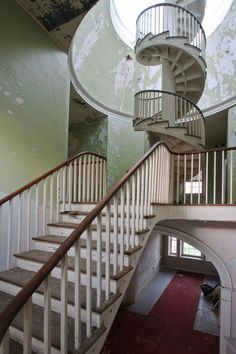 Staircase in abandoned hospital (by .tom troutman.)