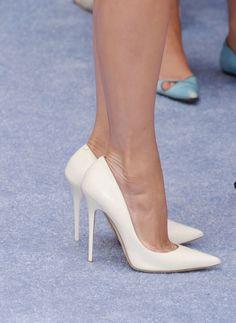 White pumps. Tacchi Close-Up #Shoes #Tacones #Heels
