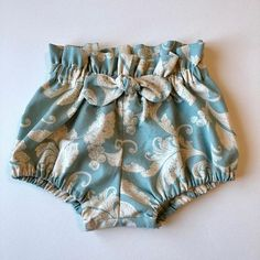 Girls Bloomers / months / Turquoise / Cream / High Waist Shorts / Toddler Bloomers / Ready to Ship Short Niña, Kids Outfits, Summer Outfits, Baby Store, Baby Sewing, Dressmaking, Baby Dress, New Baby Products, Doll Clothes