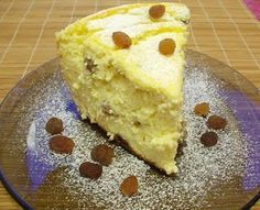 Pasca fara aluat - pasca cu branza dulce, smantana, bundinca, oua si stafide. Minunata! Low Carb Desserts, Easy Desserts, Edith's Kitchen, Easter Pie, Romanian Food, Oreo Cheesecake, Eat Dessert First, Saveur, Deserts