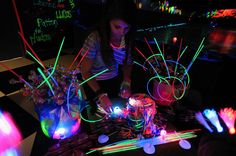 Image detail for -Wants and Wishes: Party planning: Neon/ Glow in the Dark Party 13th Birthday Parties, Girl Birthday Themes, Birthday Party For Teens, Birthday Party Decorations, Cake Birthday, Birthday Ideas, Sons Birthday, Birthday Nails, Birthday Favors