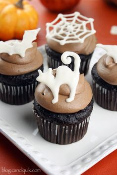 Easy DIY Halloween Cupcake Toppers - printable templates included!