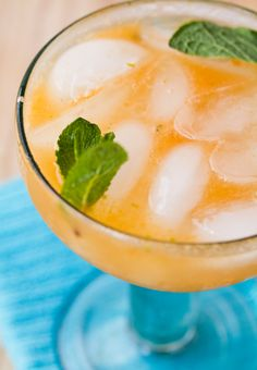 Refreshing Mint Lime Grapefruit Fizz
