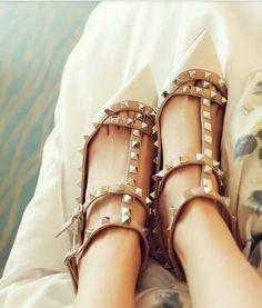 Love! So cute! Point high heels <3