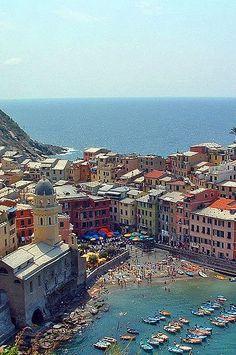 Cinque Terre, Italy Milano Giorno e Notte - We <3 You! http://www.milanogiornoenotte.com