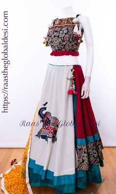 Choli Blouse Design, Choli Designs, Lehenga Designs, Saree Blouse Designs, Indian Designer Outfits, Indian Outfits, Indian Designers, Indian Lehenga, Lehenga Choli