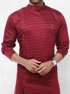 Discover recipes, home ideas, style inspiration and other ideas to try. Nigerian Men Fashion, Indian Men Fashion, Big Men Fashion, Mens Fashion Suits, Fashion Moda, Gents Kurta Design, Boys Kurta Design, African Dresses Men, African Clothing For Men