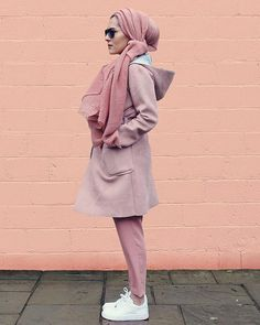 Dina Tokio // all pink modest muslim hijab outfit Hijab Casual, Hijab Outfit, Hijab Chic, Islamic Fashion, Muslim Fashion, Modest Fashion, Girl Fashion, Fashion Muslimah, Abaya Fashion