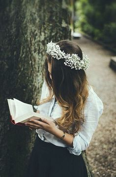 Image via We Heart It https://weheartit.com/entry/157632801 #beautiful #blonde #book #clothes #curls #fashion #flowers #girl #girly #grunge #hair #hipster #indie #luxury #nature #wavyhair